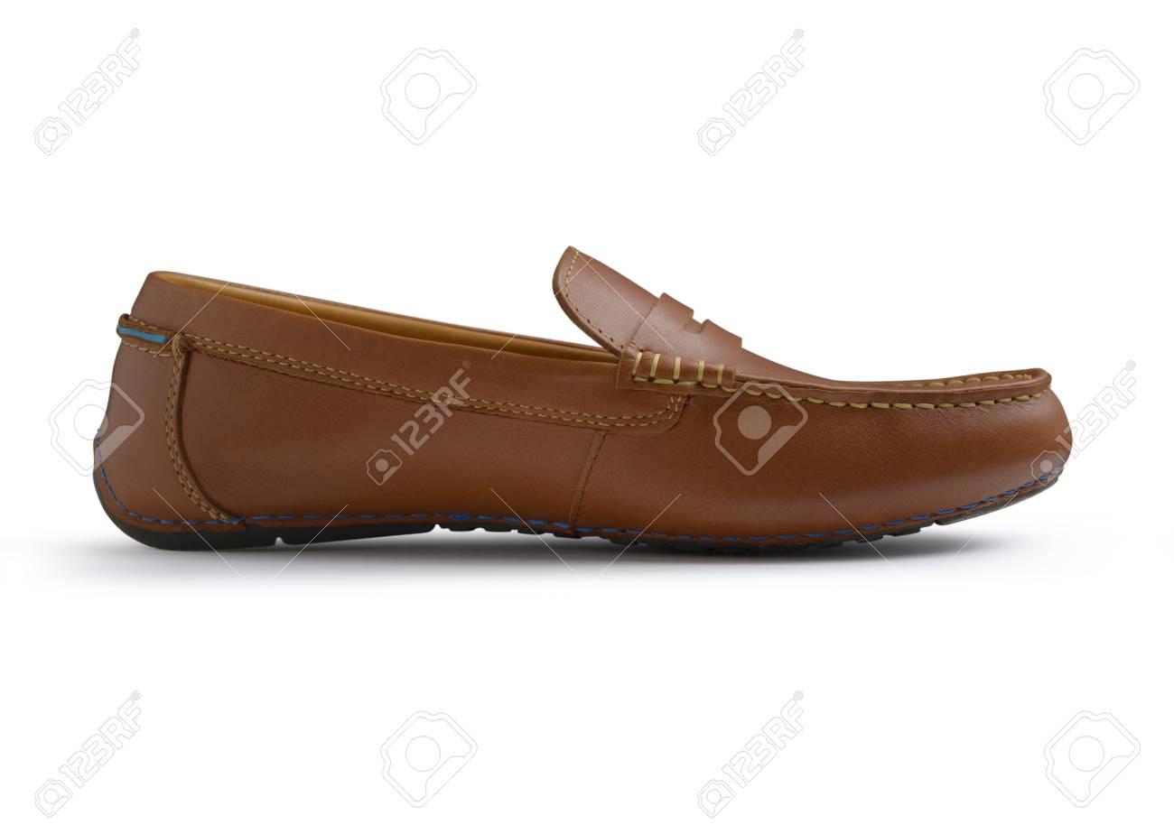 8954b0fb35 Foto de archivo - Marrón Casual zapatos hombres aislados en el fondo blanco