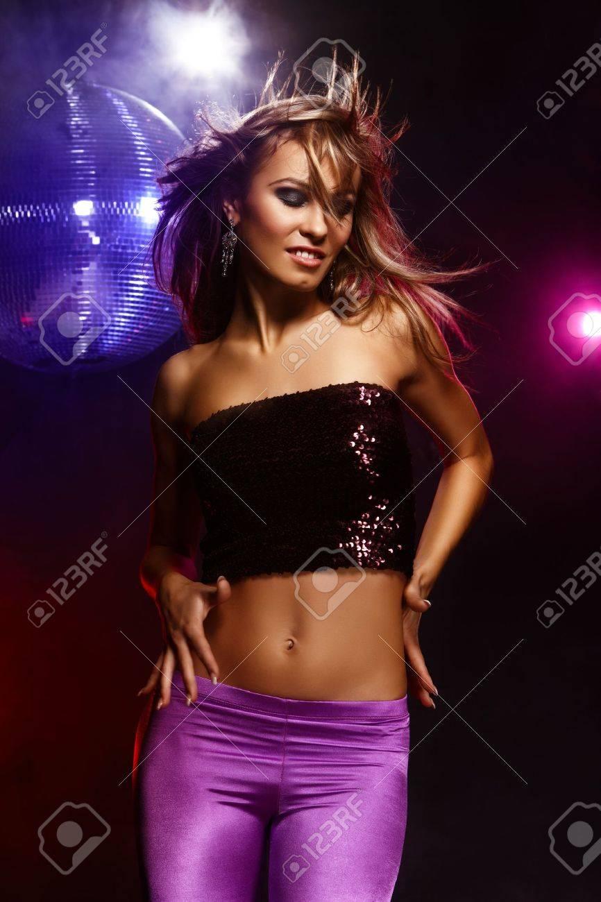 Секс танцы девочек на дискотеках 6 фотография