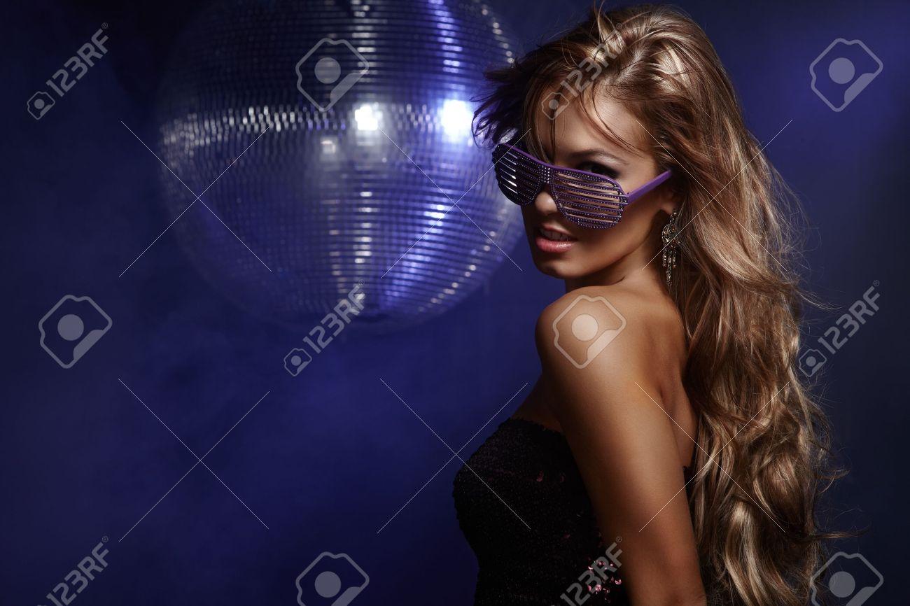 Секс танцы девочек на дискотеках 16 фотография