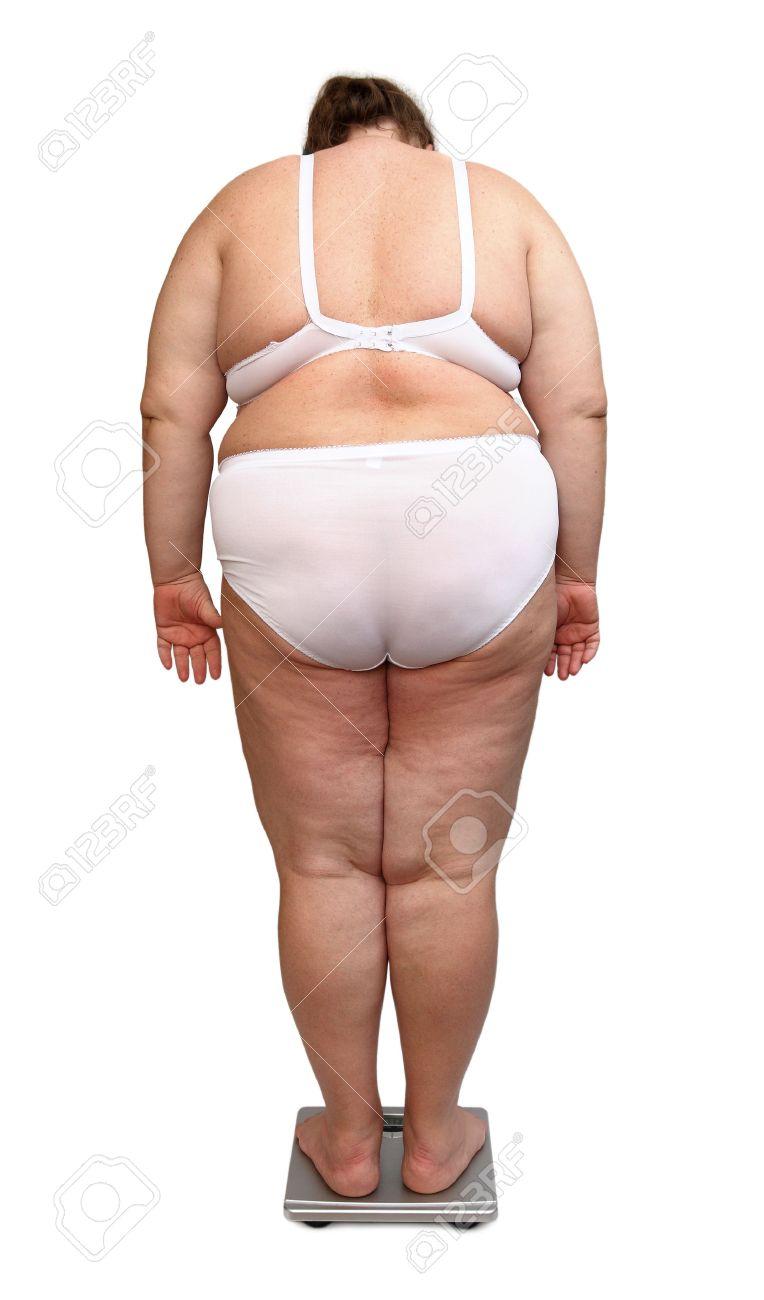 03f77717cea013 Frauen mit Übergewicht in Unterwäsche von hinten auf Skalen Standard-Bild -  4951982