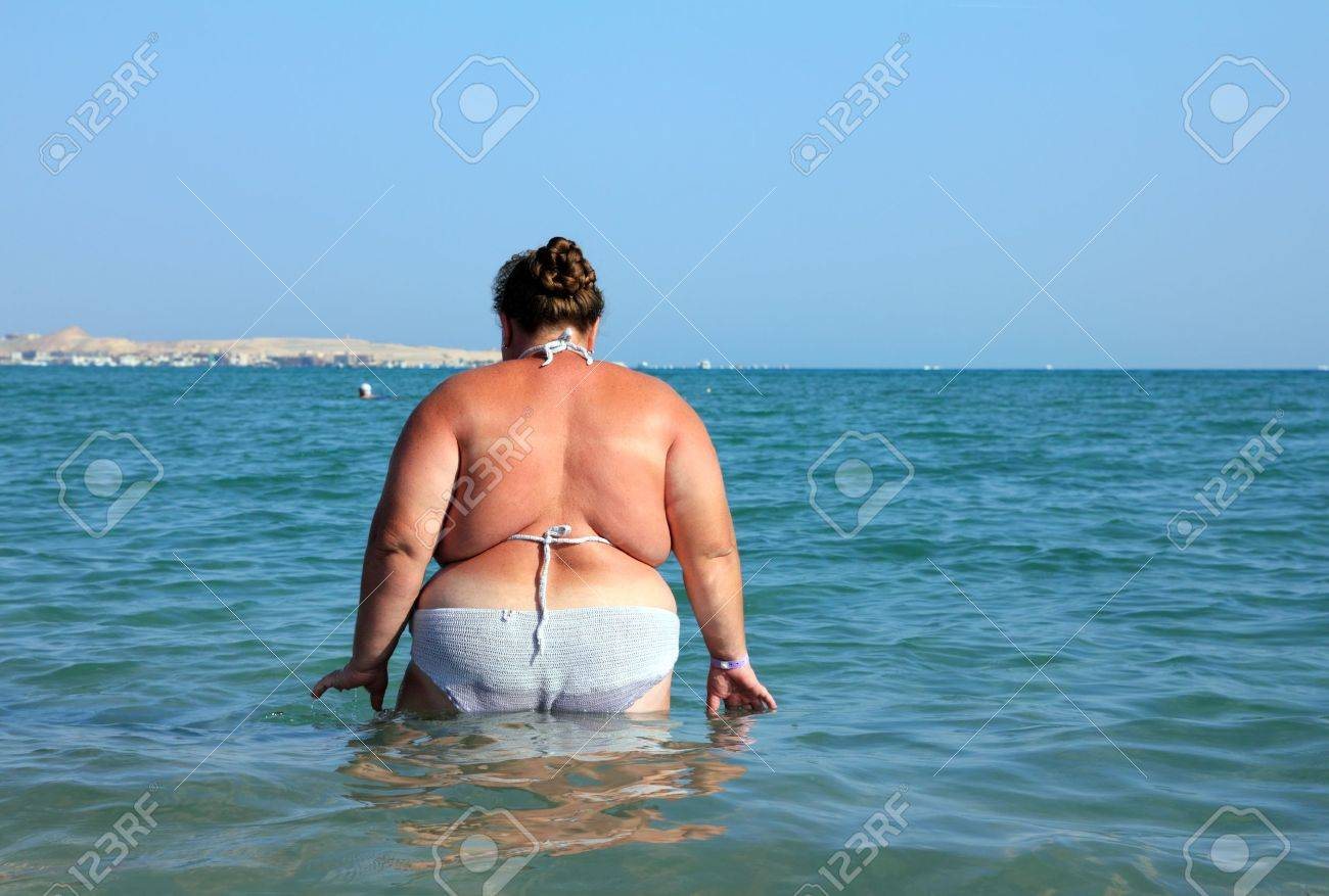 Толстые на пляже 9 фотография