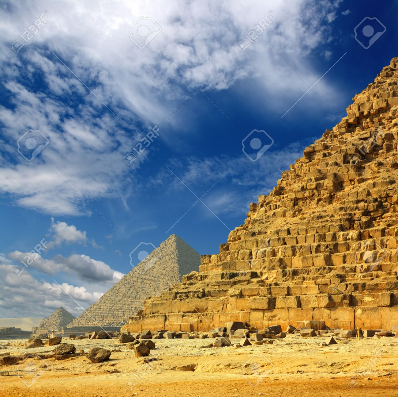 famous ancient egypt pyramids in Giza Cairo - 9519356