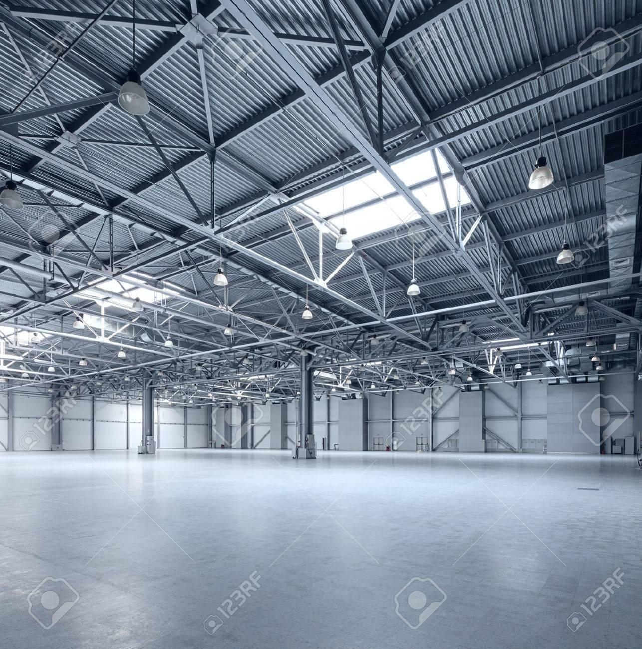 Interior of empty warehouse - 54640107