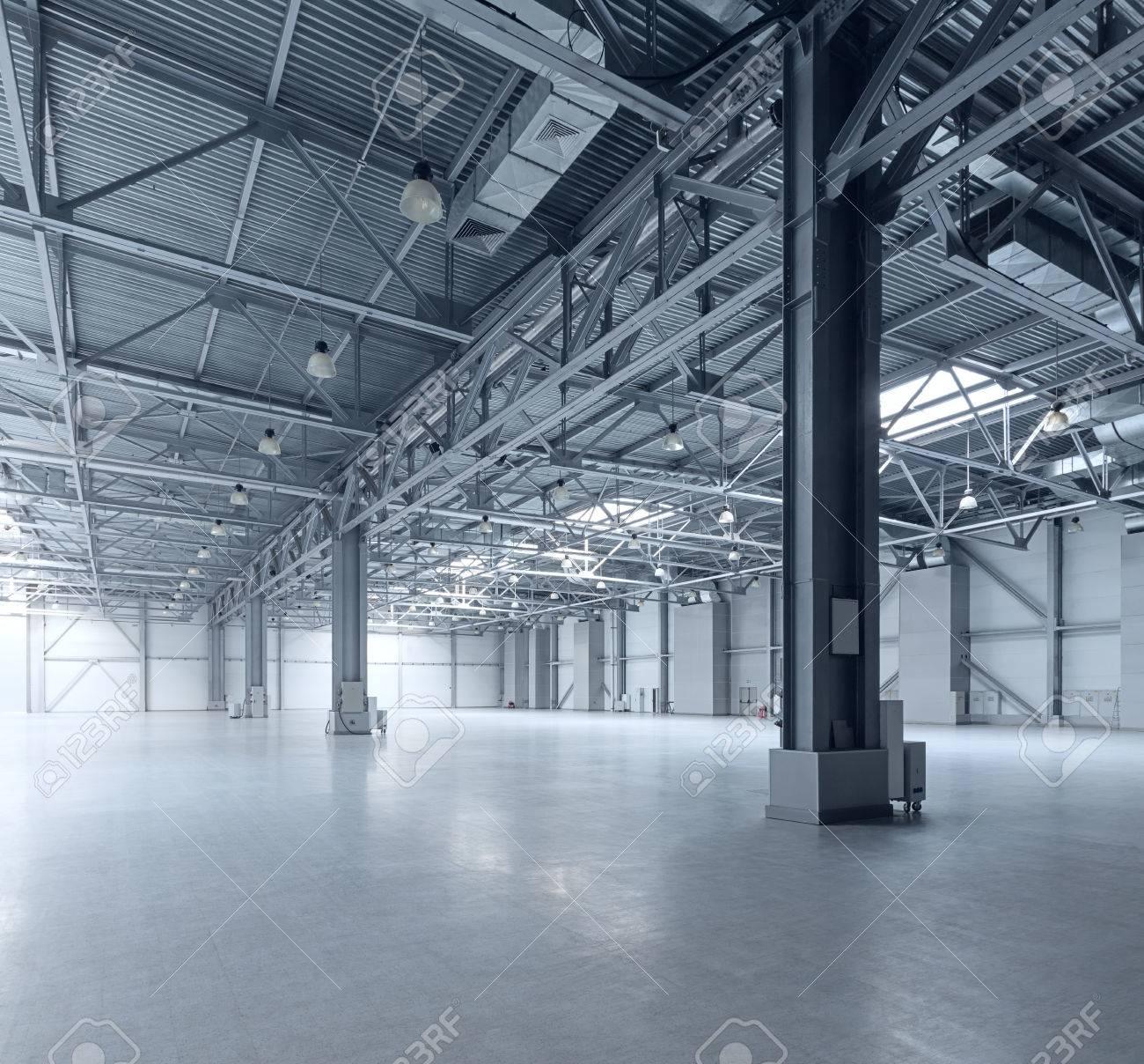 Interior of empty warehouse - 54640348