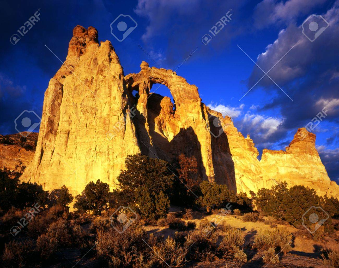 A double stone arch in the Grand Staircase-Esclante National Monument, Utah. Stock Photo - 2103588