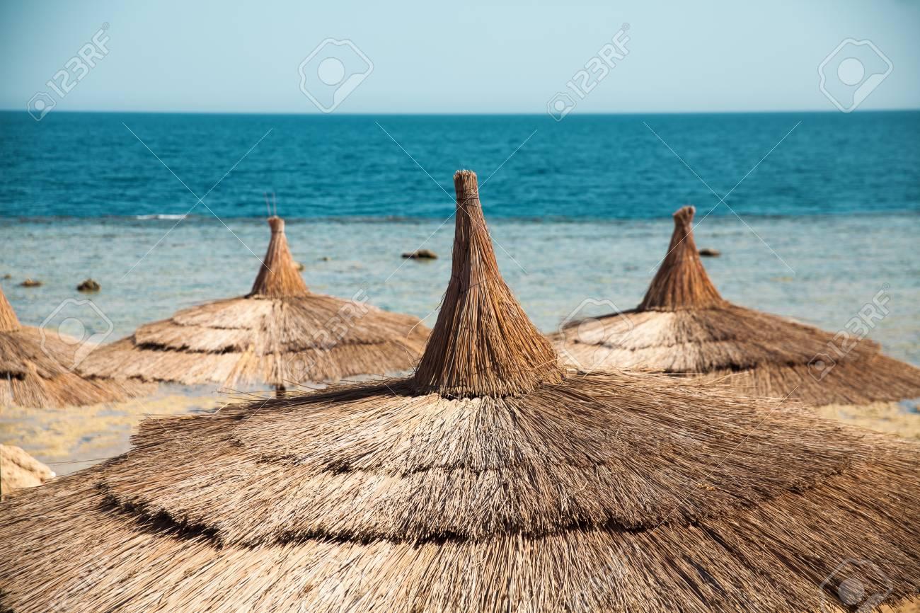 休暇休日背景壁紙 ビーチにテントの下でビーチ ラウンジ エジプト