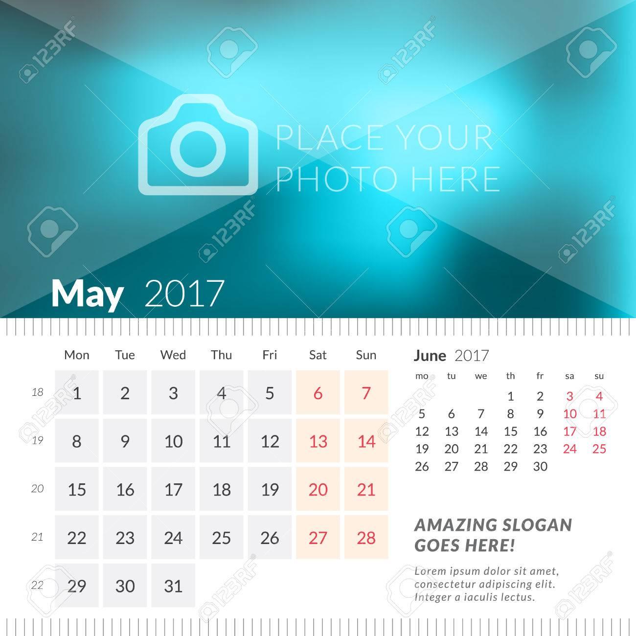 Calendario Anno 2017.Maggio 2017 Calendario Da Tavolo Per L Anno 2017 La Settimana Inizia Lunedi 2 Mesi Sulla Pagina Modello Di Stampa Design Con Posto Per Foto