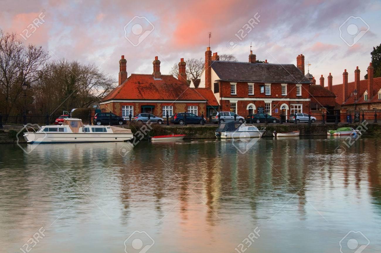 River Thames In Abingdon Town Near Oxford City Uk Stock Photo