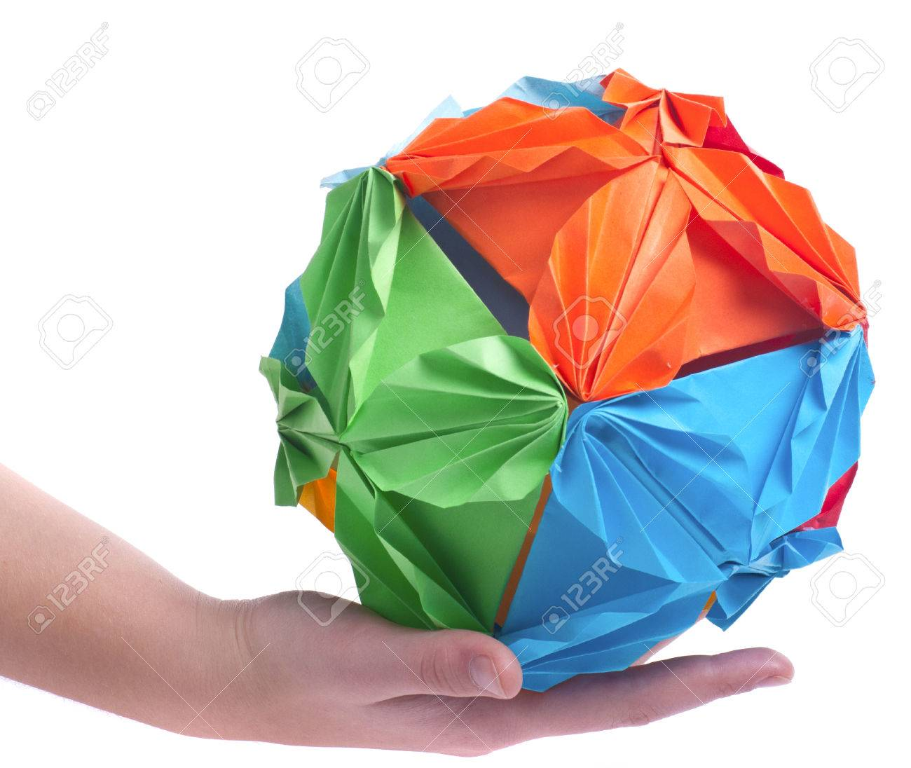 How to Make Poke Ball Origami 3D -fatafeltproject - YouTube | 1096x1300