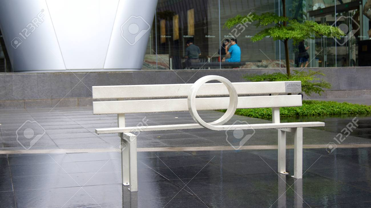 Swell Singapore Apr 2Nd 2015 White Wooden Bench On The Sidewalk Pabps2019 Chair Design Images Pabps2019Com