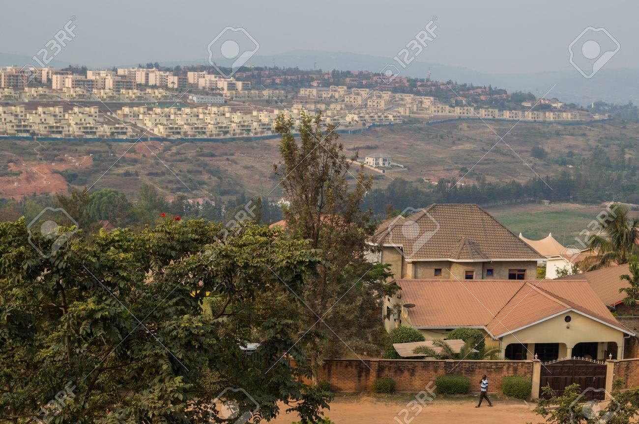 キガリ、ルワンダの住宅街 の写真素材・画像素材 Image 85097038.