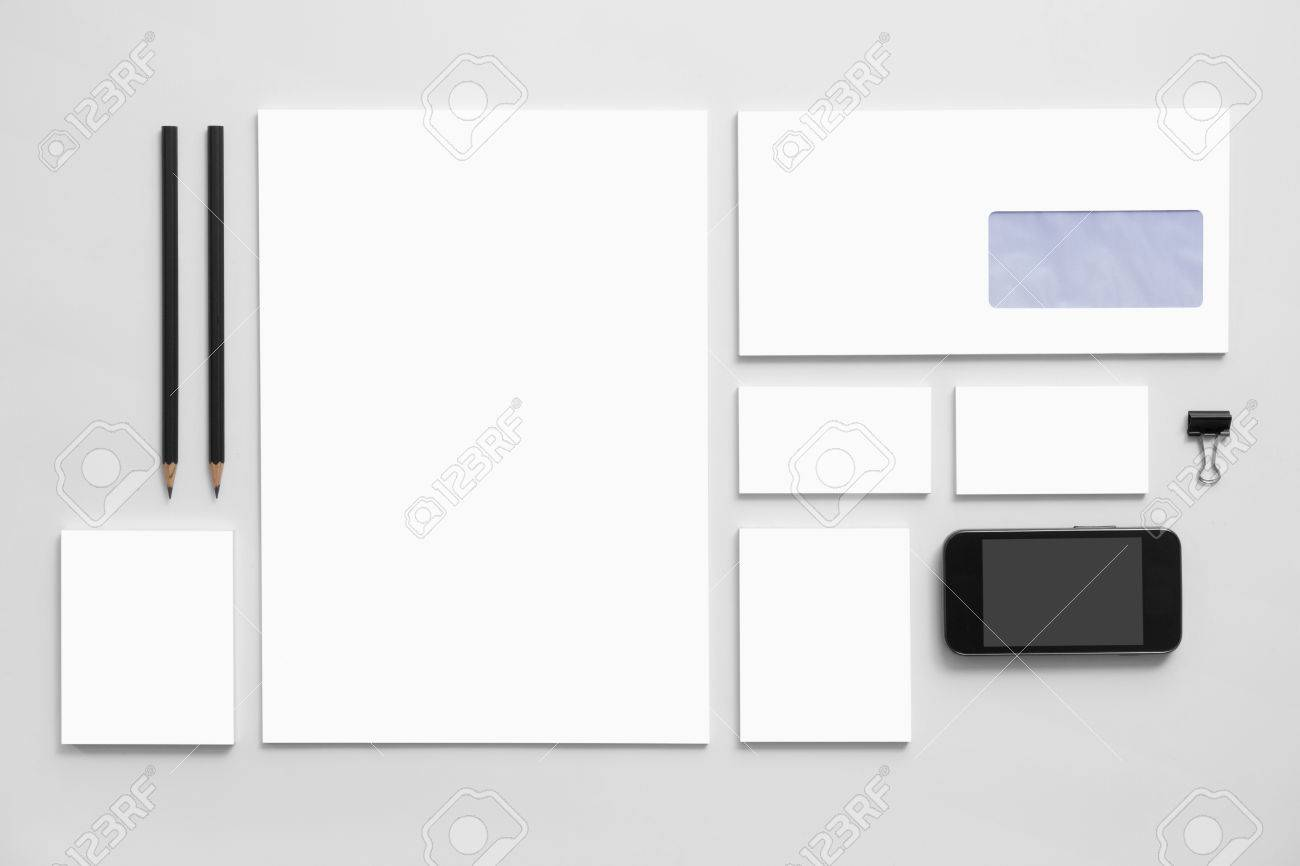 モックアップ ビジネスブランディング灰色の背景のテンプレート黒の