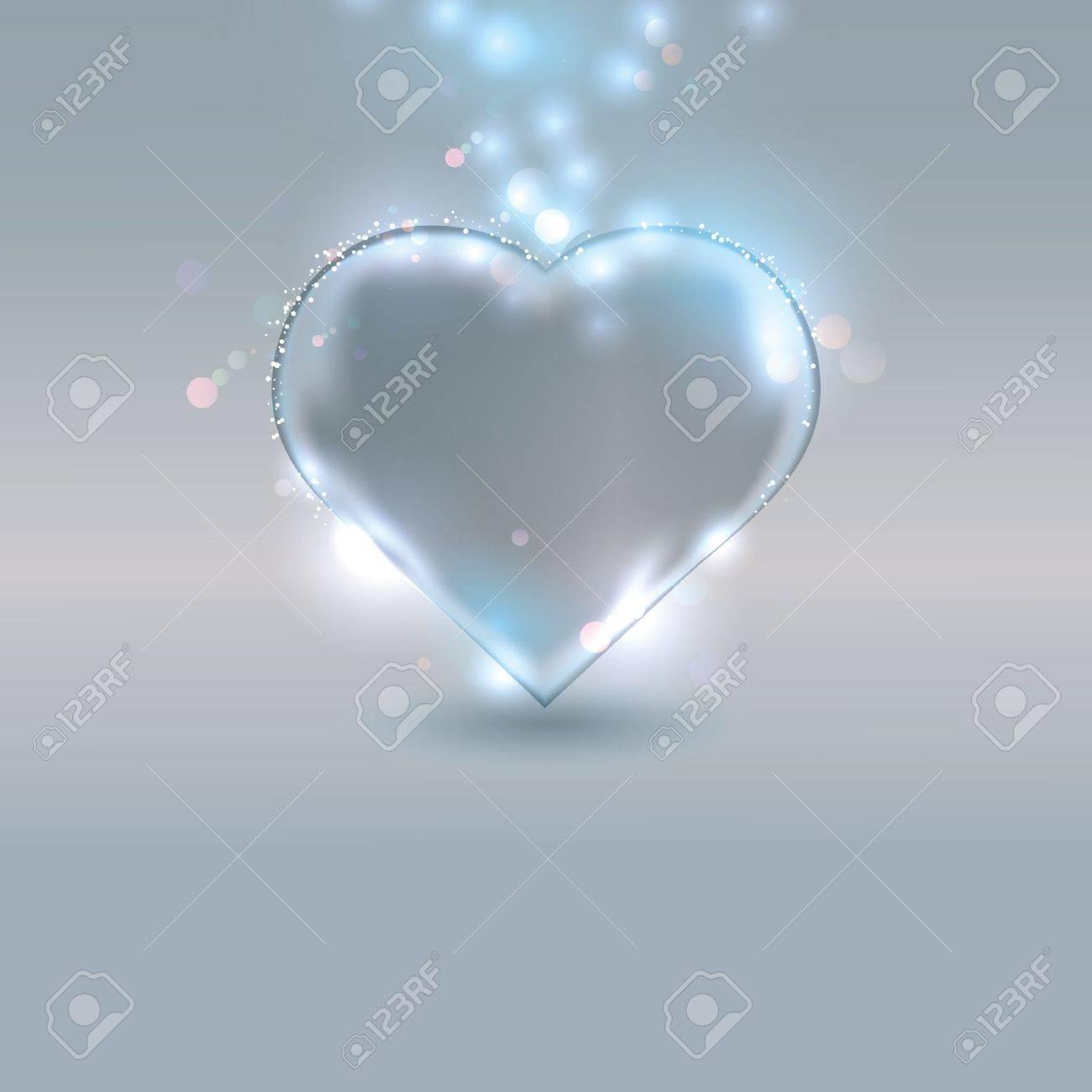 Trendig Herz Aus Glas Auf Silbernem Hintergrund. Lizenzfrei Nutzbare  RH57