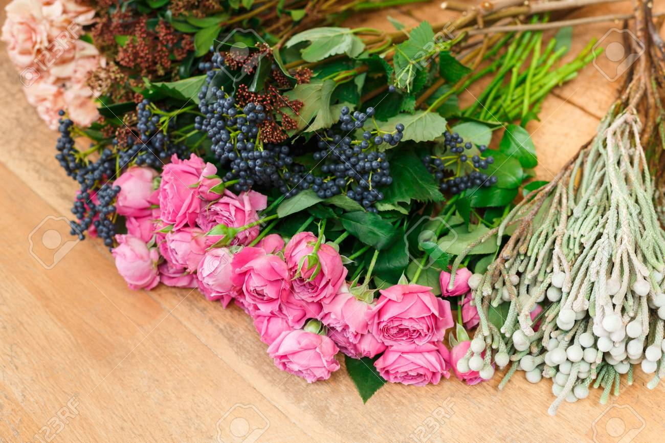 Flower Shop Background. Fresh Roses For Bouquet Delivery Stock Photo ...