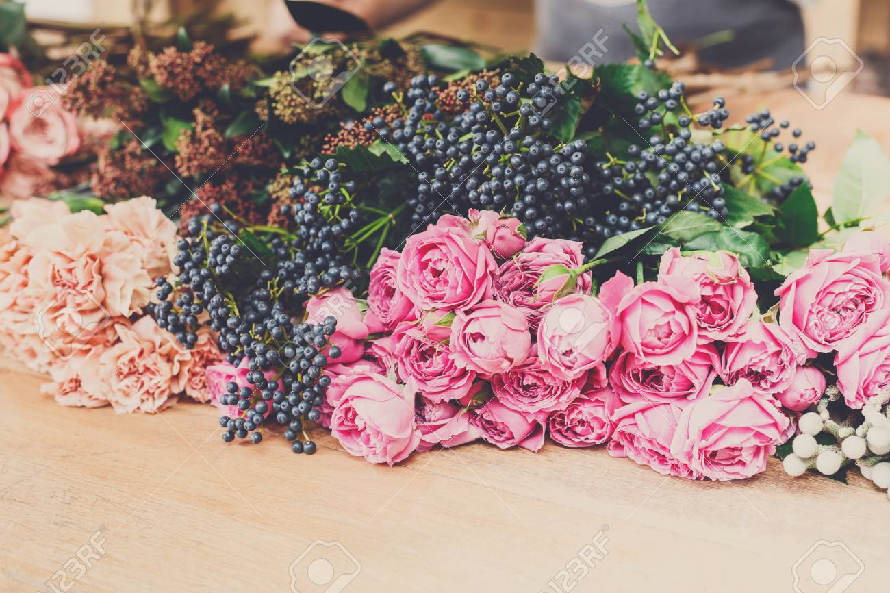 Flower Shop Background. Fresh Roses For Bouquet Delivery. Floral ...