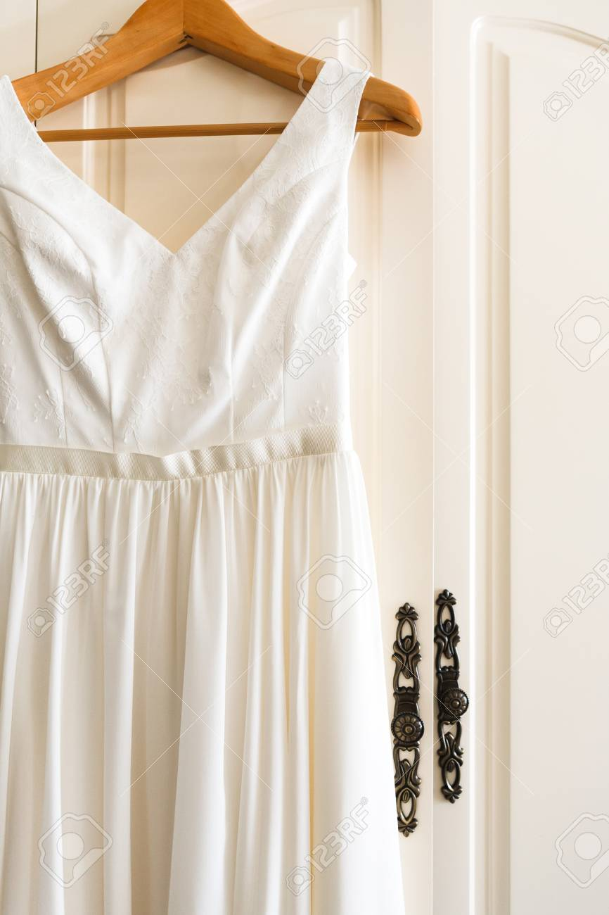 Hochzeitskleid, Kleidungsdetails, Morgen Der Braut. Schönes Weißes ...