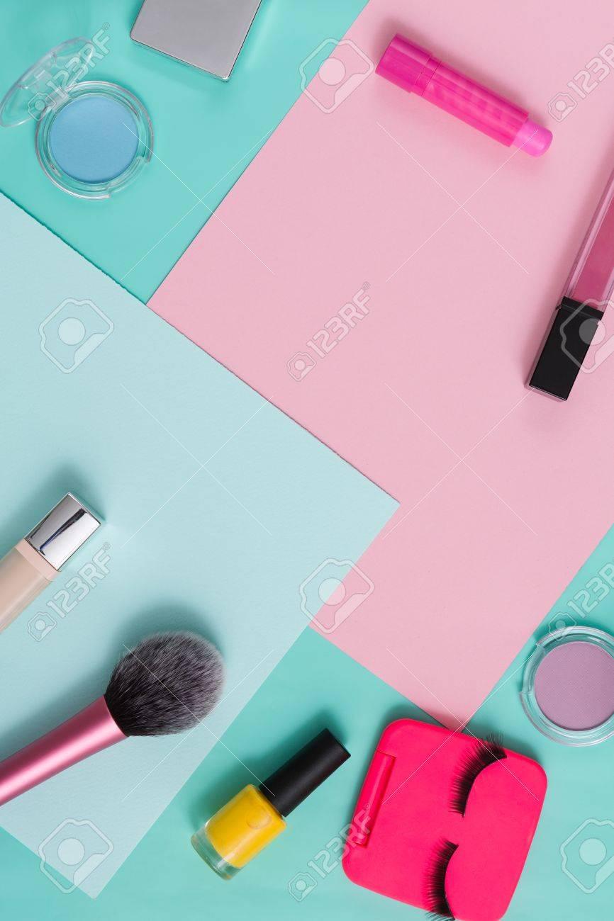 Female Cosmetics, Everyday Make-up. Essentials - Eyelashes ...
