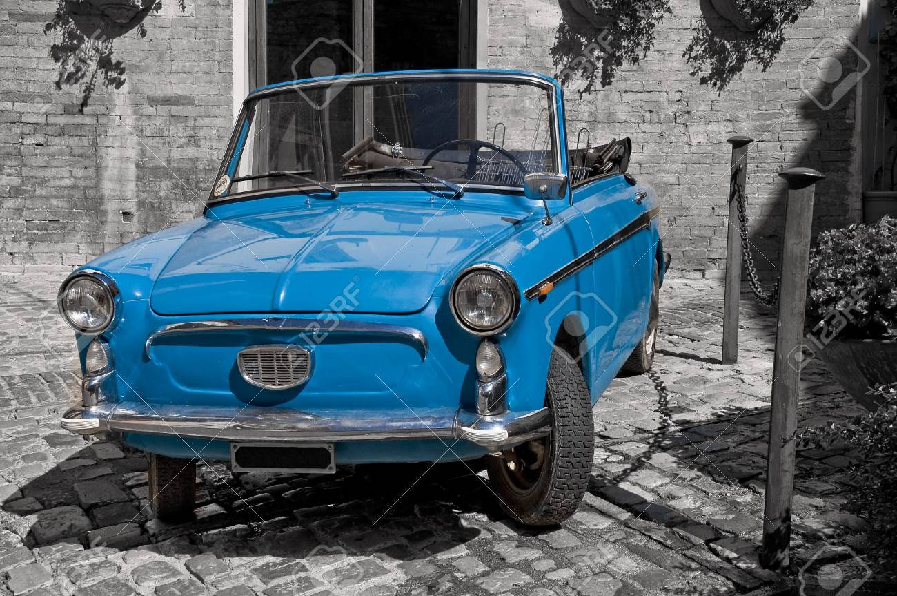 Blue vintage car. Stock Photo - 7884702