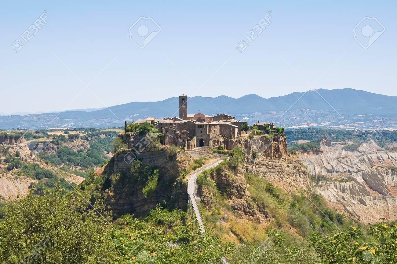 Panoramic view of Civita di Bagnoregio  Lazio  Italy Stock Photo - 14950728