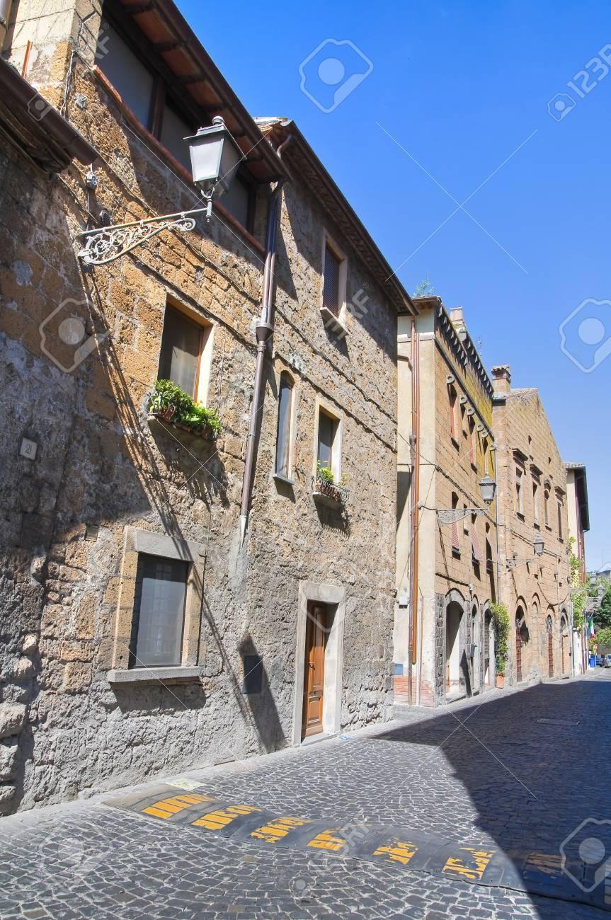 Alleyway. Orvieto. Umbria. Italy. Stock Photo - 15623159