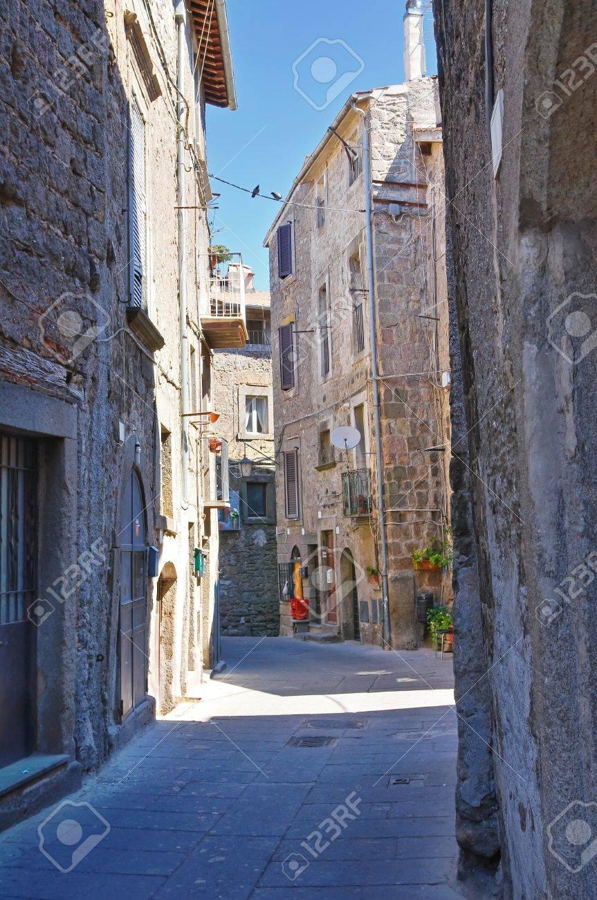 Alleyway. Bagnaia. Lazio. Italy. Stock Photo - 15991925