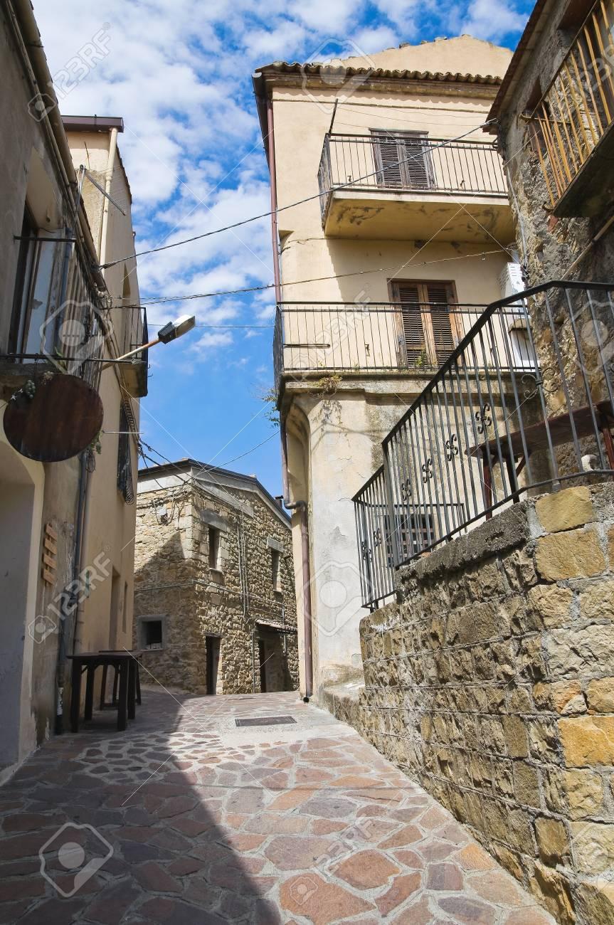 Alleyway. Valsinni. Basilicata. Italy. Stock Photo - 16505548