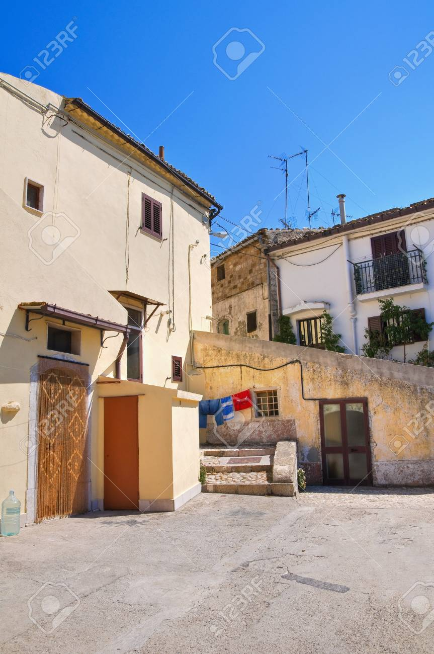 Alleyway  Santagata di Puglia  Puglia  Italy Stock Photo - 17230546