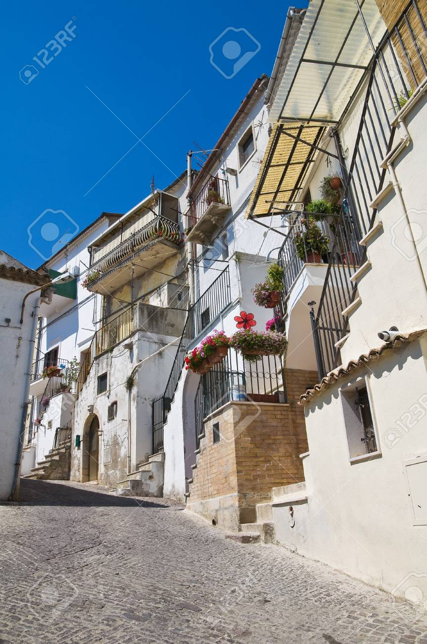 Alleyway  Santagata di Puglia  Puglia  Italy Stock Photo - 17240701