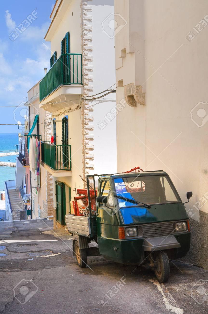 Alleyway. Rodi Garganico. Puglia. Italy. Stock Photo - 22354641