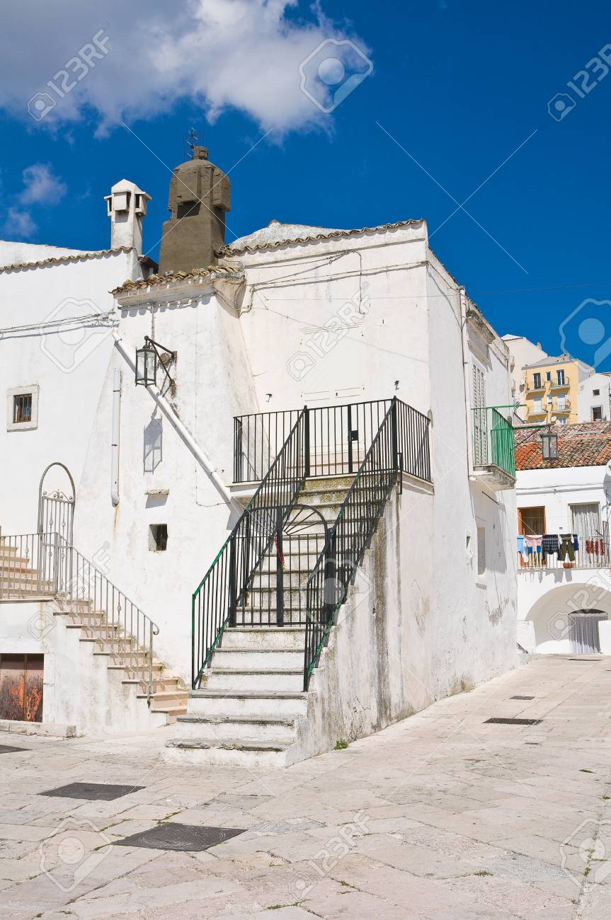 Alleyway  Monte SantAngelo  Puglia  Italy Stock Photo - 22354658