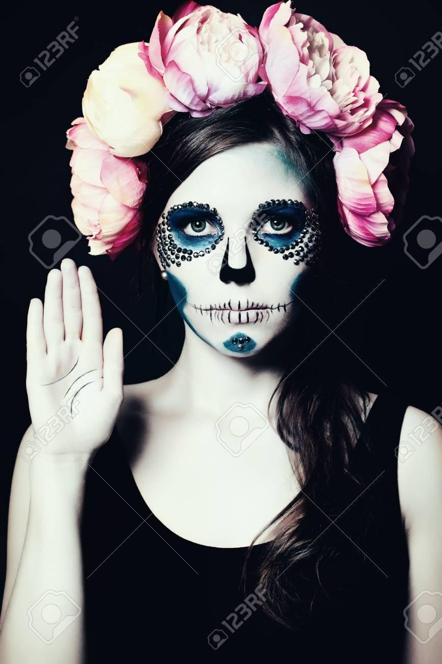 Madchen Mit Halloween Make Up Zuckerschadel Schone Frau Lizenzfreie