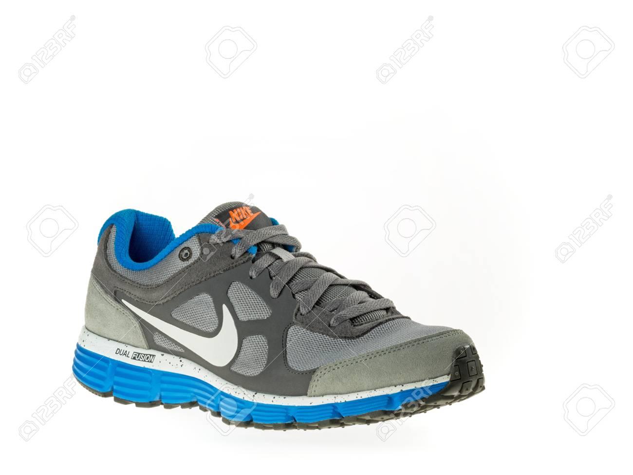Turquía Estambul Nike Nuevo Estilo 2014 Zapatos De 21 Febrero SSfZKrqd