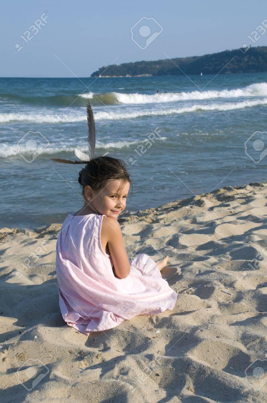 Banque d images - Petite fille de la mer Noire à Varna en Bulgarie BECH 55070afa933