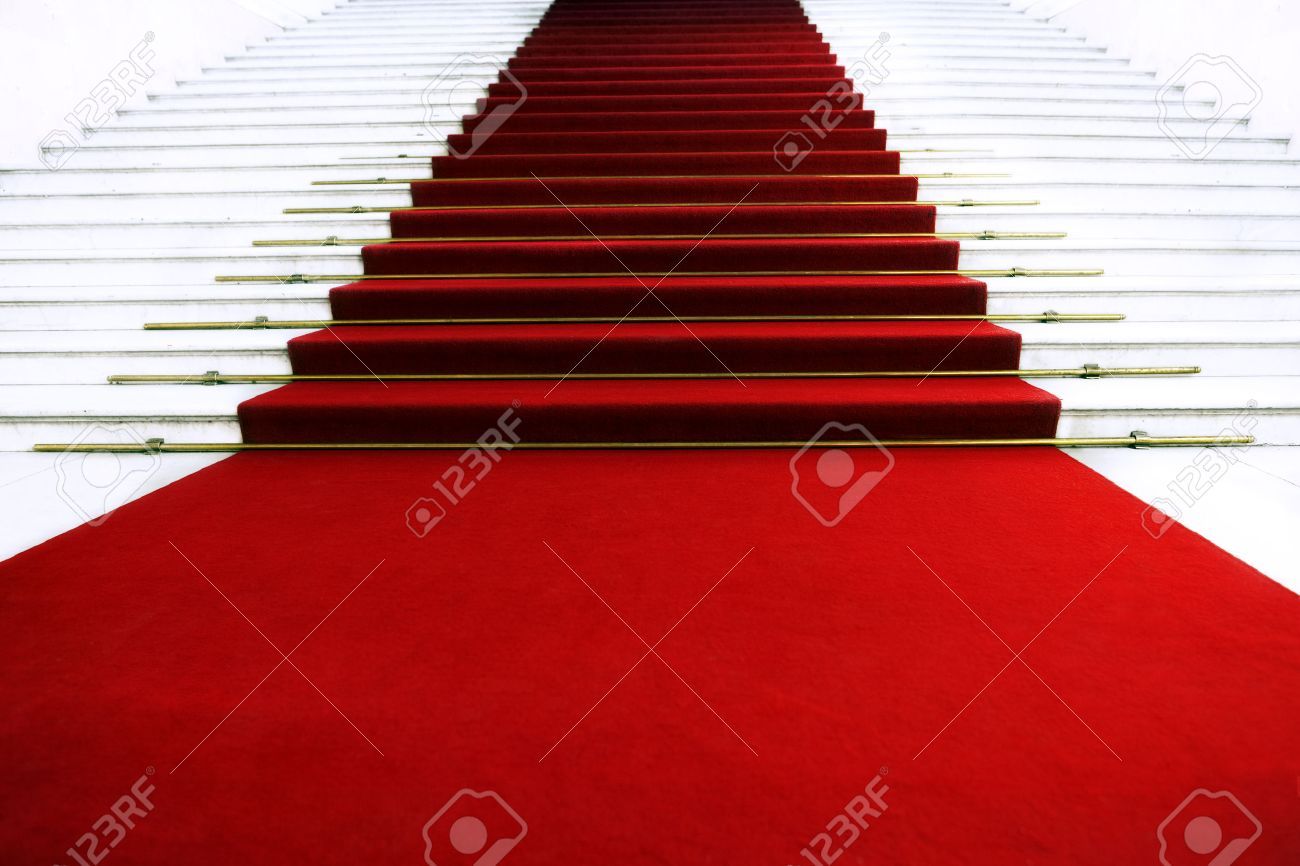 Red carpet on staircase - 30741778