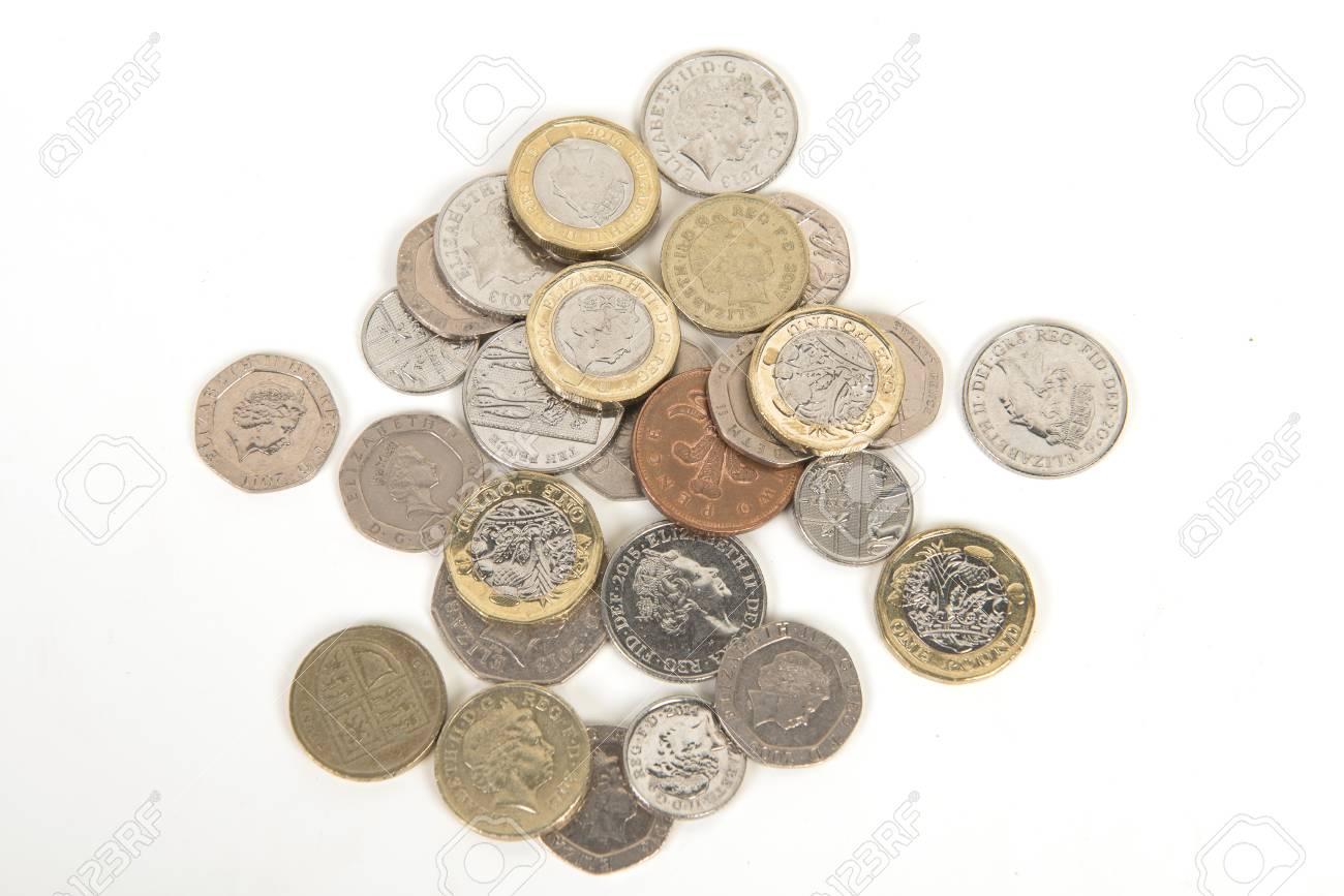 Britische Pfund Münzen Auf Weißem Hintergrund Lizenzfreie Fotos