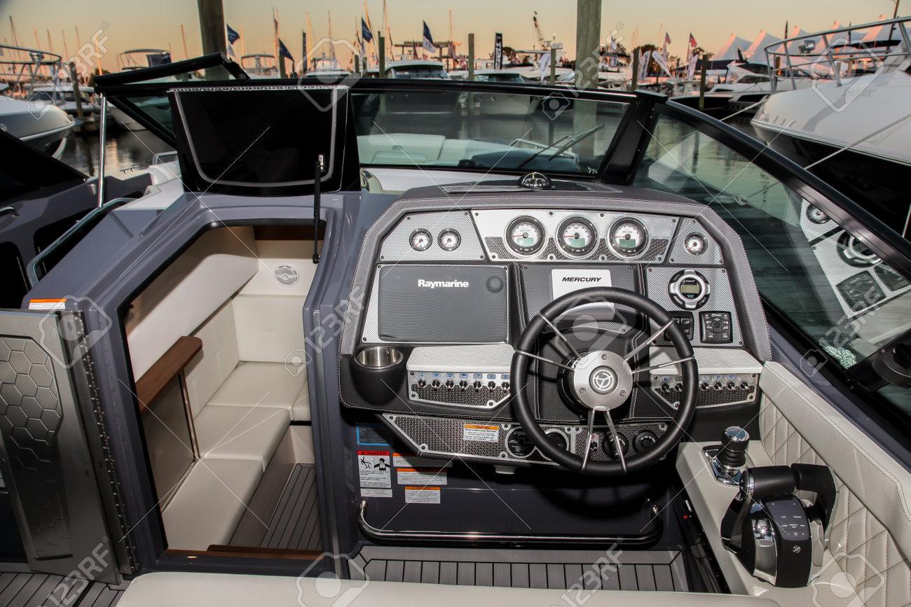 Norwalk September 22 338 Bowrider Cruiser Yachts Captains Panel