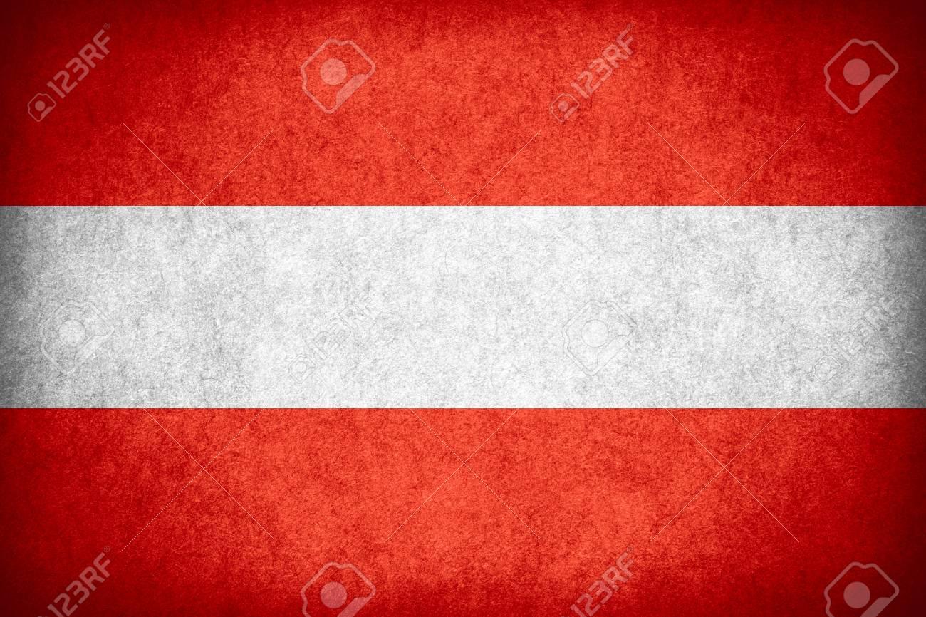Flagge Von österreich Oder österreichische Fahne Auf Papier Rau