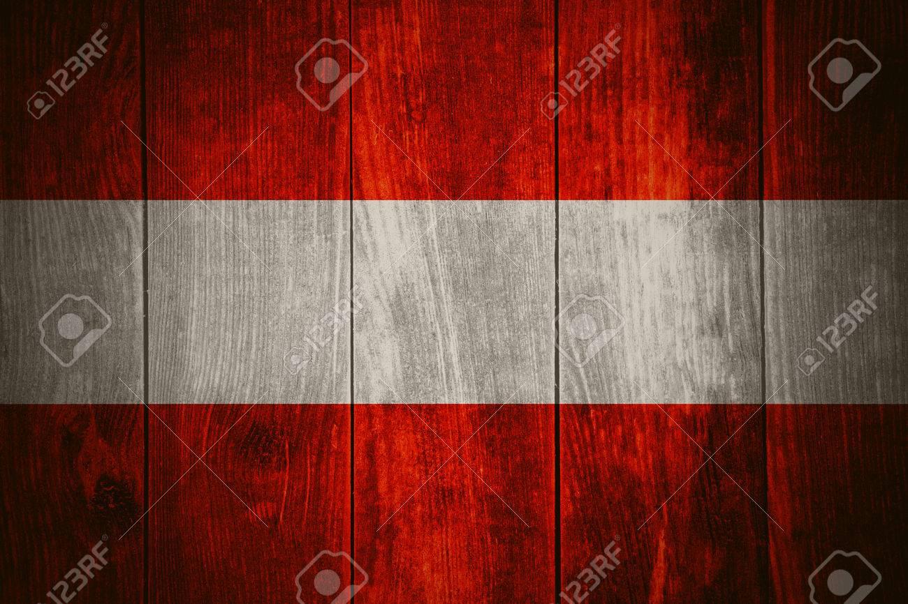 Flagge Von österreich Oder österreichische Fahne Auf Holzuntergrund