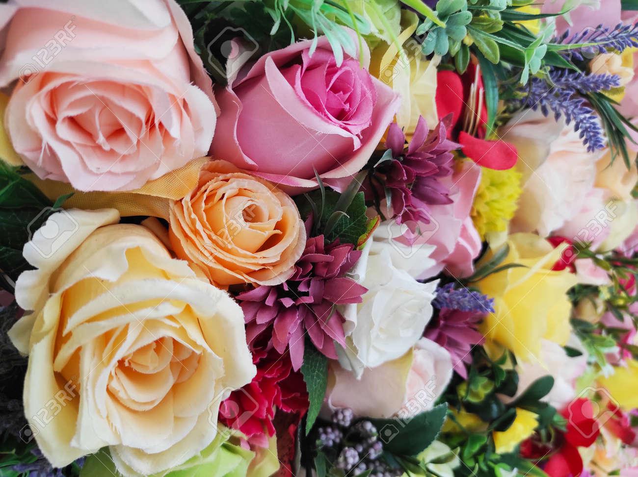 flower arrangements - 155645362