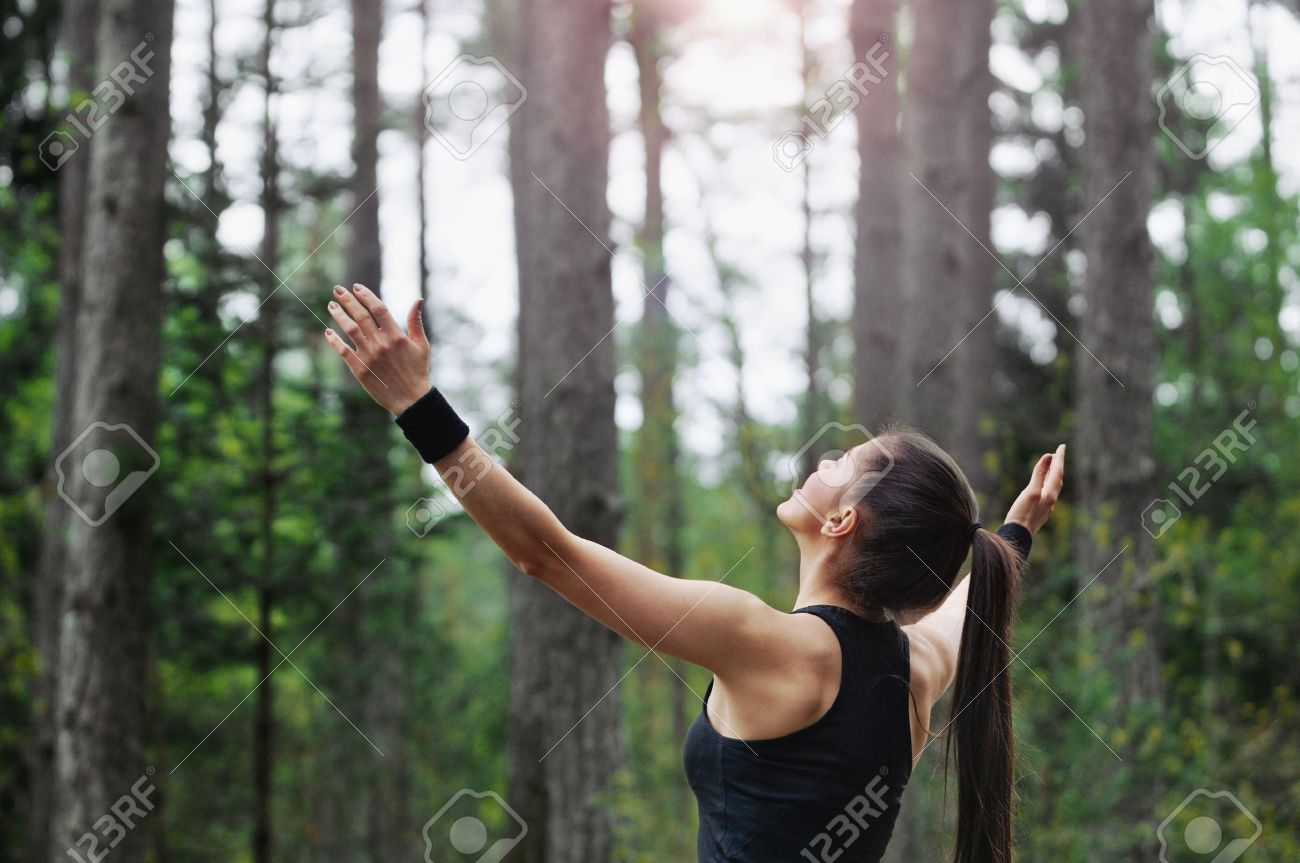 healthy lifestyle fitness sporty woman running early in the morning in forest area, healthy lifestyle concept Stock Photo - 40488506