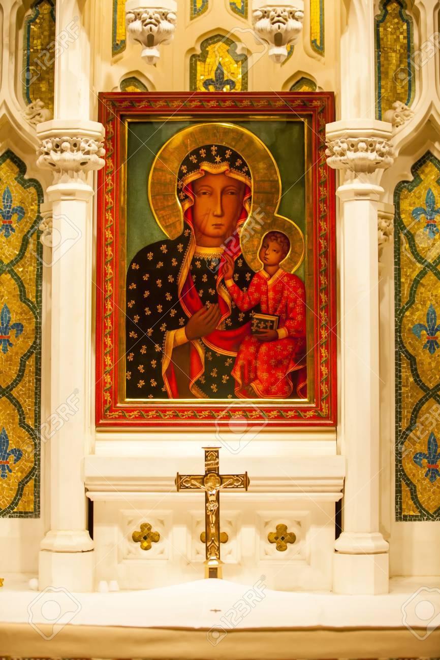 Mary Jesus Icon Shrine Saint Patrick's Cathedral, New York City Stock Photo - 17323554