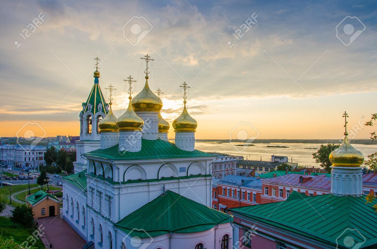 Golden domes of the Church of the Nativity of John the Baptist in Nizhny Novgorod - 162016161