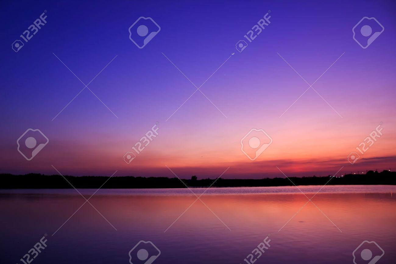 Twilight sky water reflect Stock Photo - 11810728