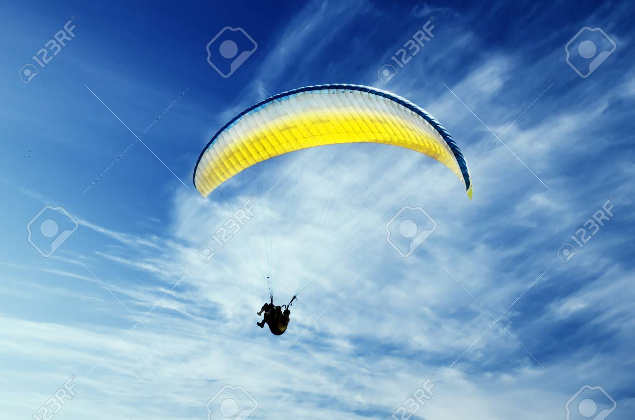 Paraglider in the sky - 20918291