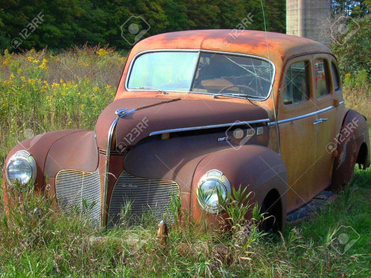 junk car rusted car