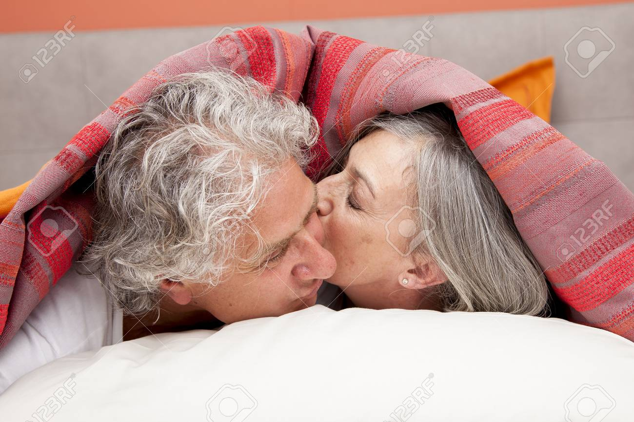 Mature kissing videos