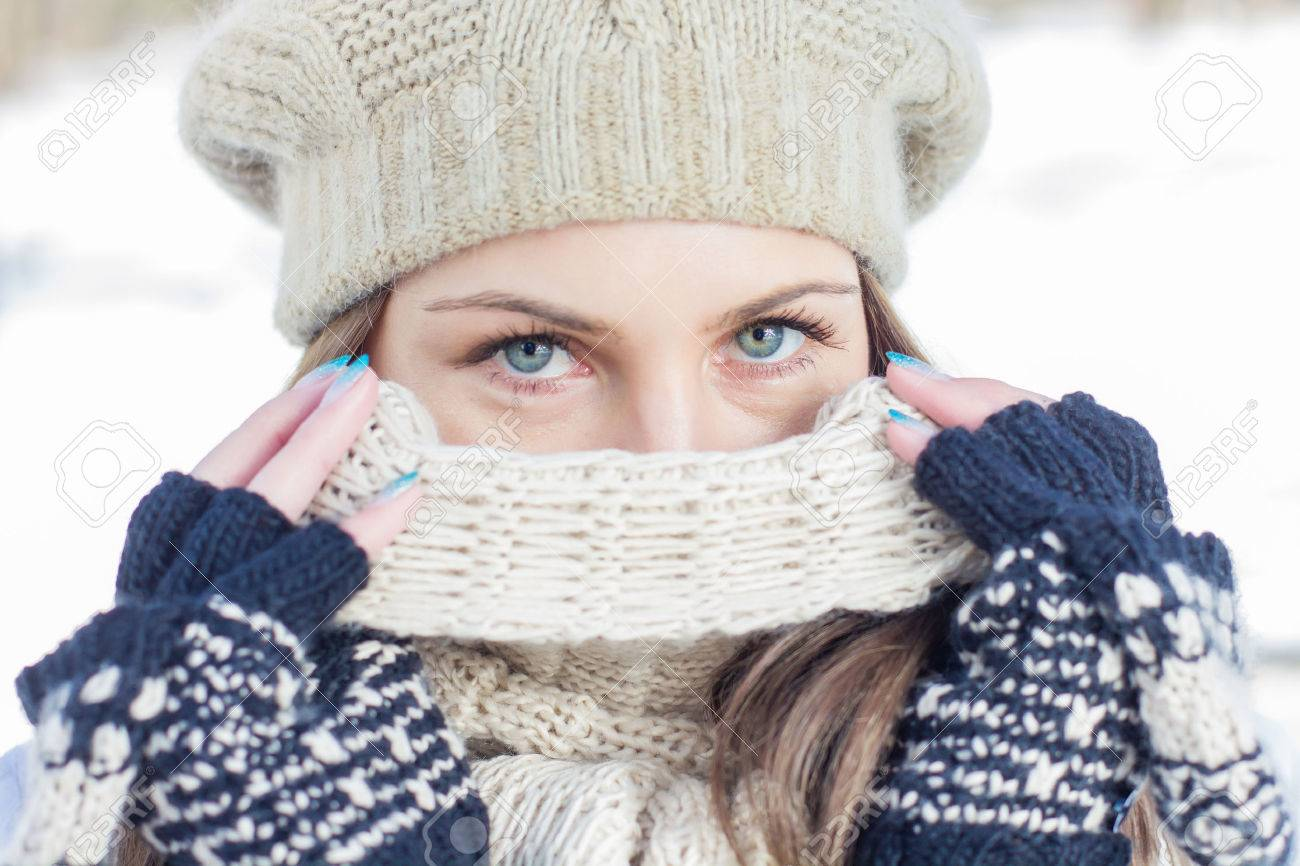 Winter Portrait of Female with Beautiful Blue Eyes outdoor - 43474136