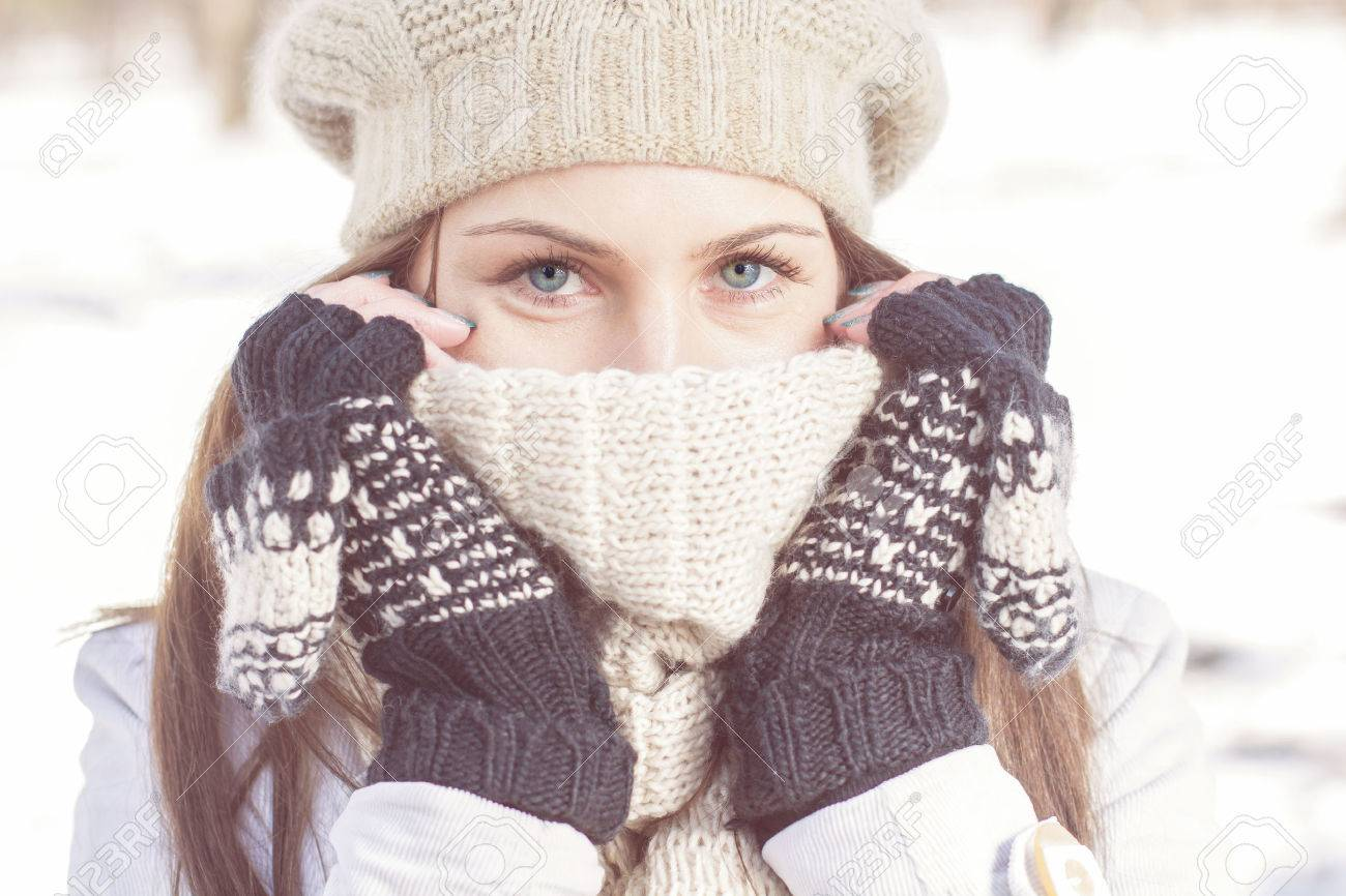 Winter Portrait of Female with Beautiful Blue Eyes outdoor - 43474231