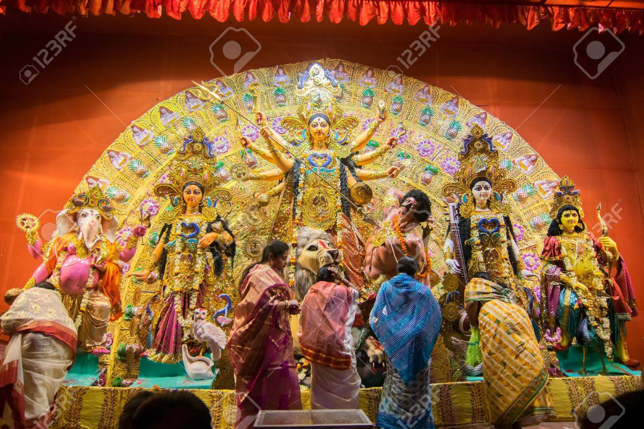 Kolkata india october 18 2015 married bengali women kolkata india october 18 2015 married bengali women worshipping durga idol at altavistaventures Choice Image