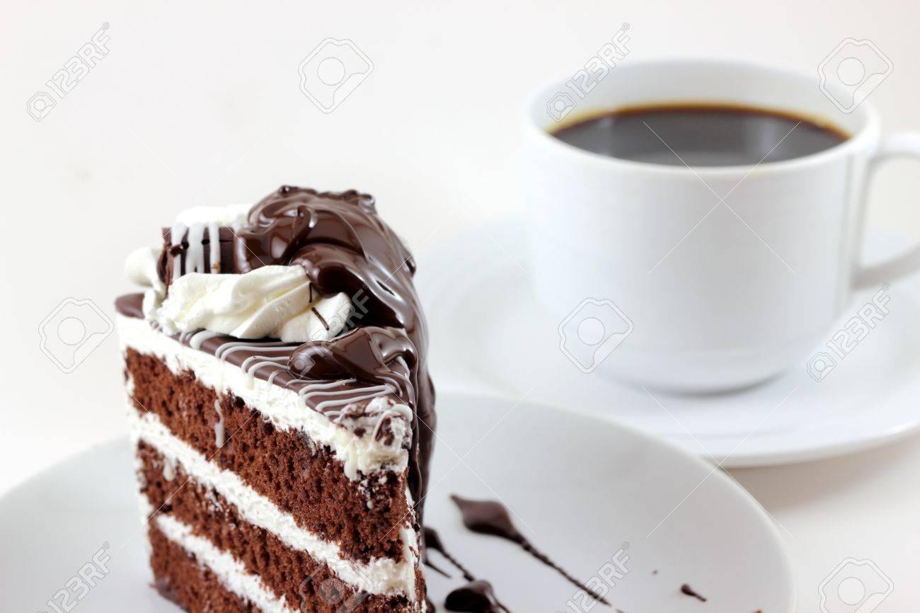 Schwarz-Weiß-Kuchen Und Tasse Kaffee Lizenzfreie Fotos, Bilder Und ...